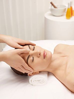 DECLÉOR, facial, treatments, relax, pimples, blackheads, westville, relax, beauty salon, spa, salon, glow, skin care, voucher, gift