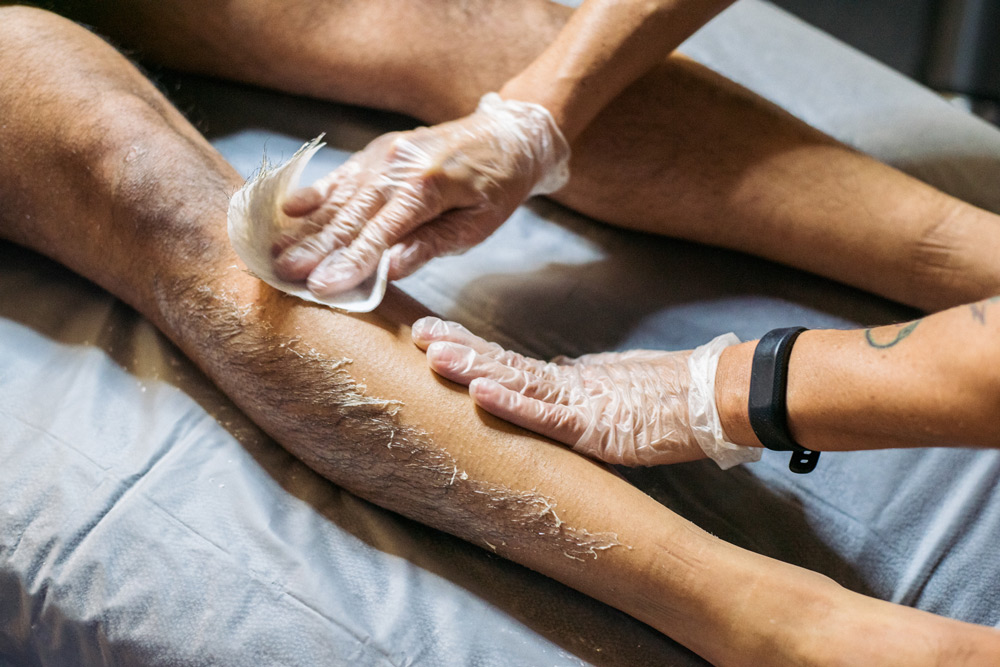 Mens full leg wax