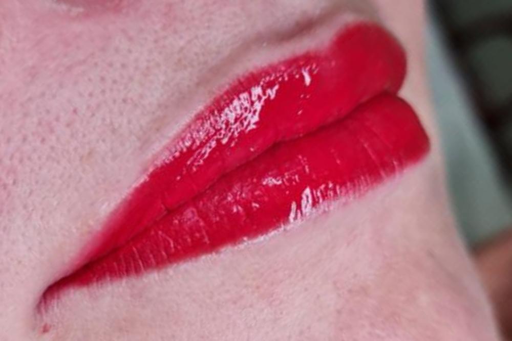 full lip permanent makeup