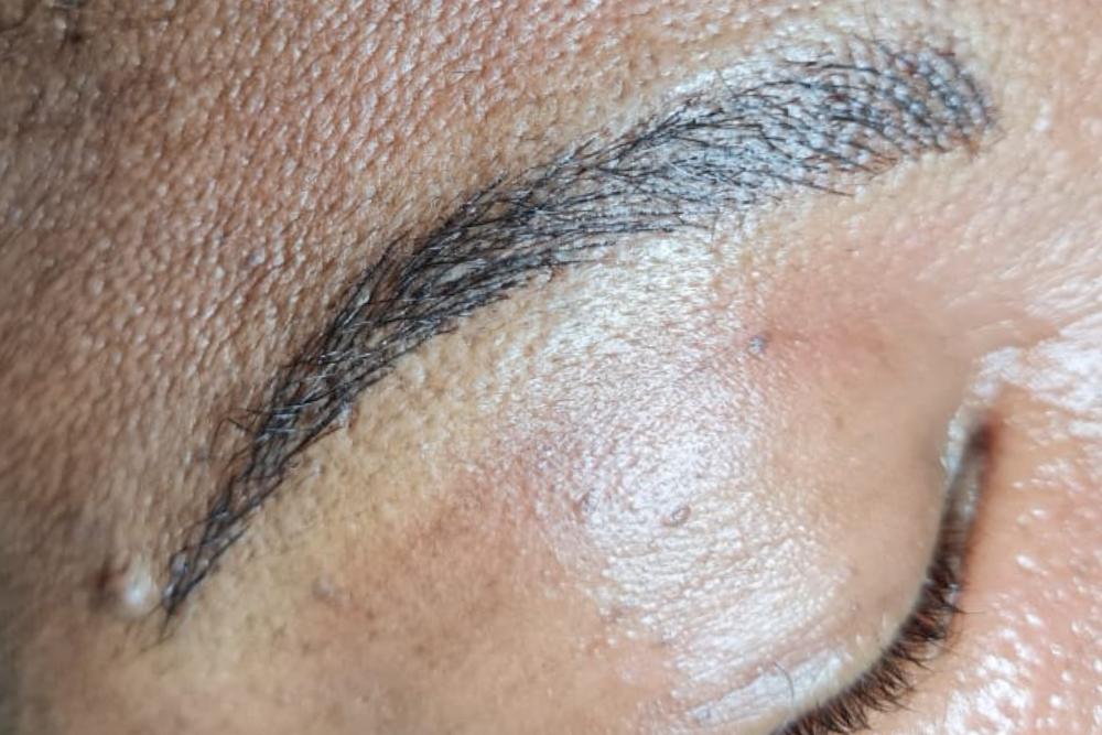 Microblading brow